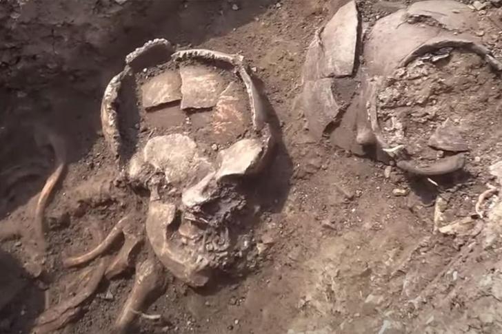 Фото №1 - В Румынии нашли захоронение людей с глиняными горшками на головах