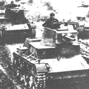 Фото №1 - Со дна Невы подняли танк