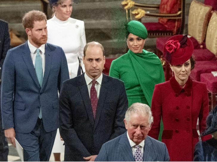 Фото №2 - Напряженный момент: что не так с последней официальной встречей Кембриджских и Сассекских