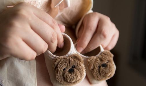 Фото №1 - В День матери медики напомнили, какие прививки нельзя делать беременным