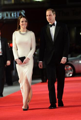 Фото №6 - Принцесса масс-маркета: как герцогиня Кейт носит одежду бюджетных брендов