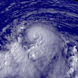Фото №1 - Урагану Дин присвоена высшая категория опасности