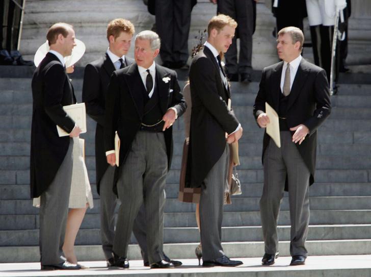 Фото №3 - Высокое положение: какого роста члены британской королевской семьи