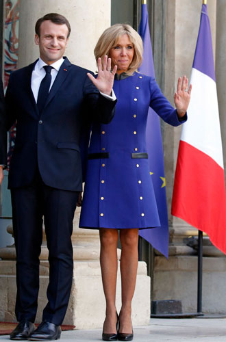 Фото №9 - Как Брижит Макрон сняла табу на мини-юбки и стала новой иконой стиля Франции