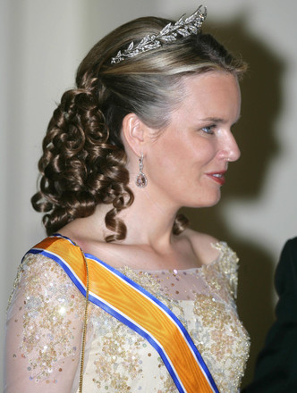 Фото №2 - Самые роскошные и дорогие тиары королевской семьи Бельгии