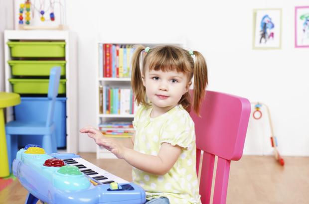 Фото №1 - По барабану: 6 детских игр, которые развивают музыкальный слух