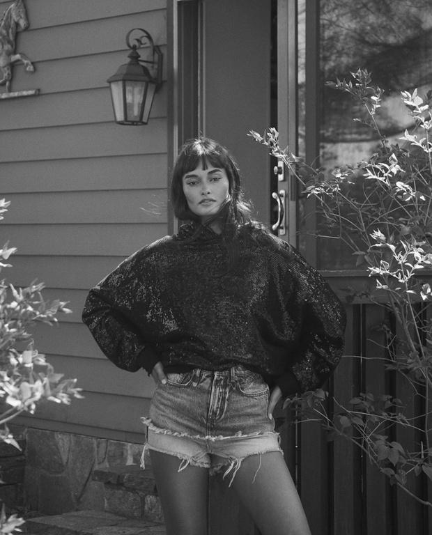 Фото №2 - Многослойные джинсовые шорты Жизель Оливейры— быстрая инвестиция на лето