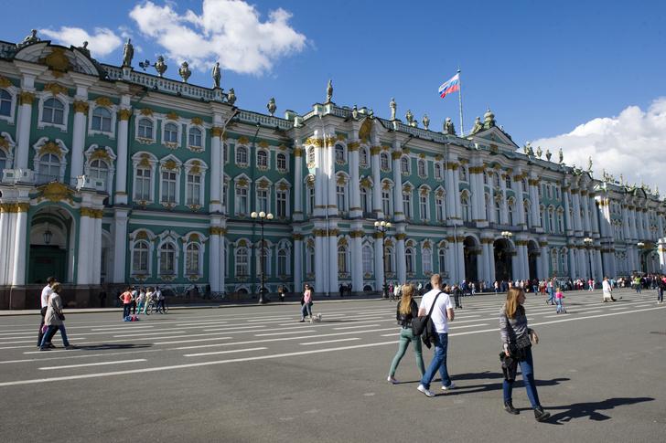 Фото №1 - Планы на майские праздники: гид по Санкт-Петербургу