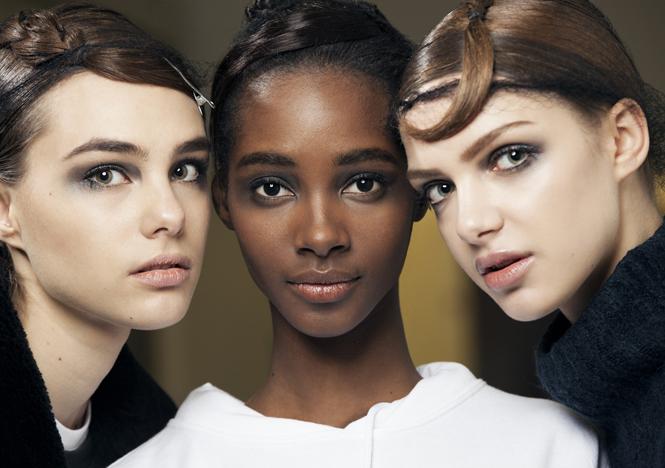 Фото №1 - Как повторить макияж с показа Giorgio Armani FW 2017/18