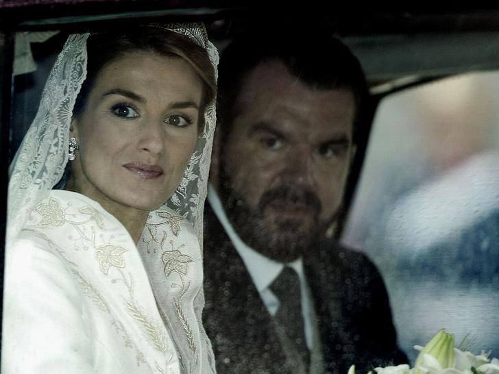 Фото №2 - Какой была свадьба короля Филиппа и королевы Летиции: история в фотографиях