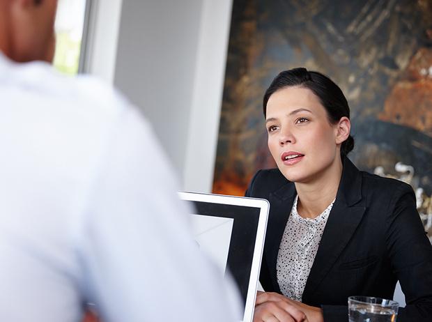 Фото №2 - Как реагировать на неловкие вопросы на собеседовании (и получить желаемую работу)