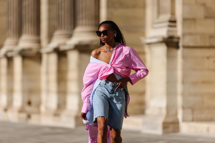 Фото №2 - DIY для лета: как из старых джинсов сделать модные шорты