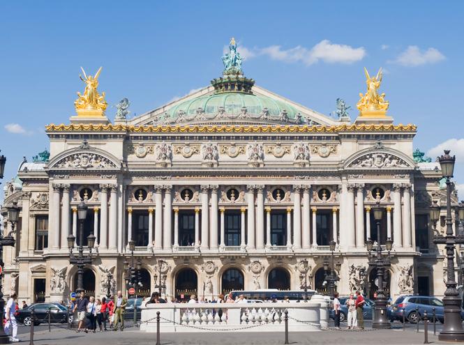 Фото №1 - Летим в театр: 10 лучших театральных подмостков Парижа