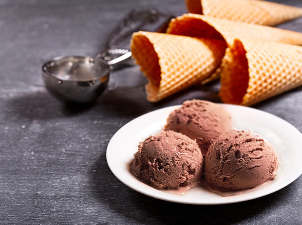 Фото №10 - Спасительная прохлада: 5 рецептов замороженных десертов