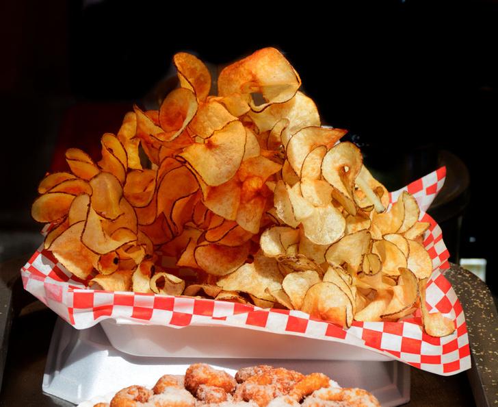 Фото №2 - Посидим, похрустим: 6 фактов из истории чипсов