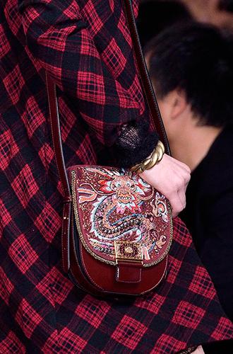 Фото №93 - Самые модные сумки осенне-зимнего сезона 2016/17