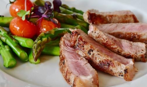 Фото №1 - Ученые: Красное и белое мясо одинаково влияют на уровень холестерина