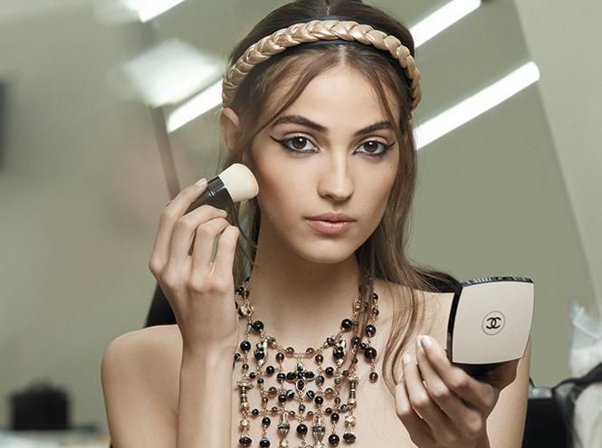 Фото №2 - Как повторить макияж с показа Chanel Cruise Show 2017/18