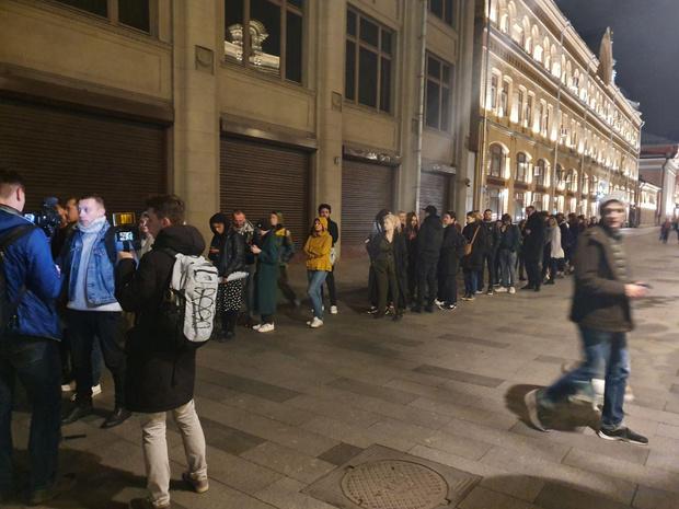 Фото №17 - В Москве началась серия одиночных пикетов в поддержку осуждённого на 3,5 года Павла Устинова (фото и видео)