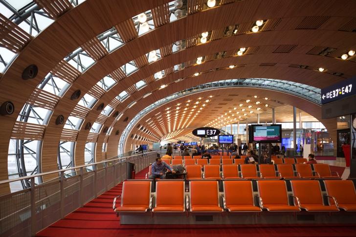 Фото №1 - Какие вещи чаще всего крадут в аэропортах