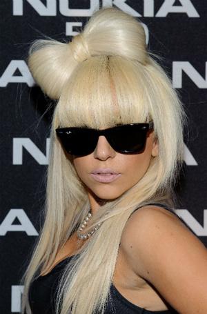 Фото №5 - Как хорошела Леди Гага: все о громких бьюти-экспериментах звезды