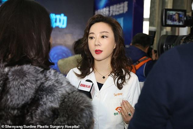 Фото №4 - Китайская девочка из-за редкой болезни в 15 лет выглядела как старушка, но пластическая операция все исправила (фото)