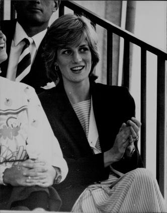 Фото №17 - Королевский кэжуал: как Диана носила объемные пиджаки