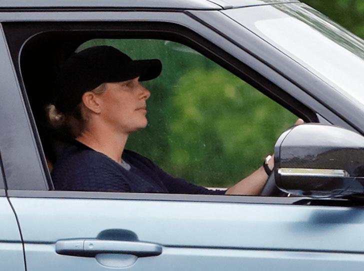 Фото №2 - По стопам мамы-бунтарки: за что Зару Тиндолл лишили водительских прав