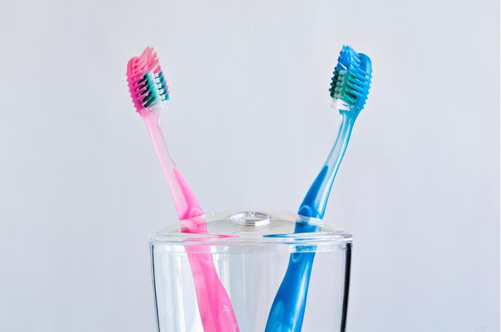 Фото №1 - Ученые предупредили о неожиданной опасности зубного налета
