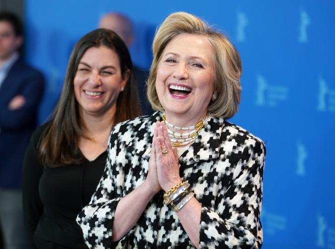 Фото №20 - Брючные костюмы и яркие цвета: модные победы Хиллари Клинтон