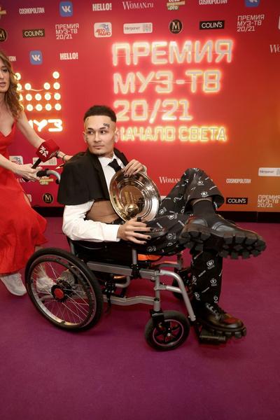 Фото №2 - «Я шел устроить шоу»: Моргенштерн откровенно рассказал о скандале на «Премии МУЗ-ТВ»