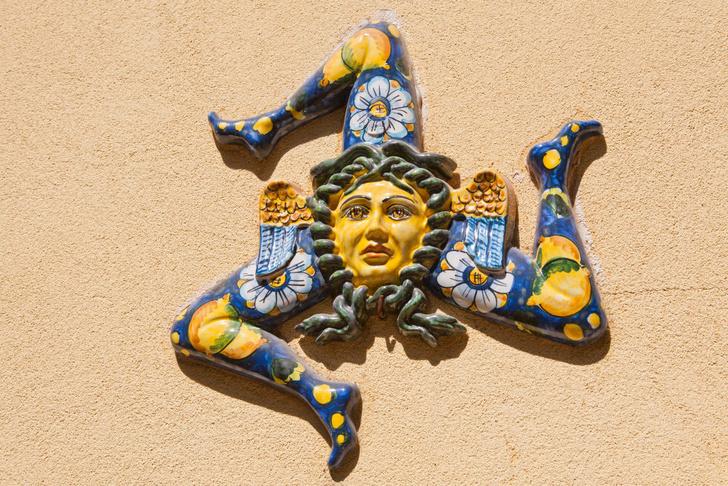 Фото №2 - Шкатулка с сокровищами: Сицилия в 10 фактах и фотооткрытках