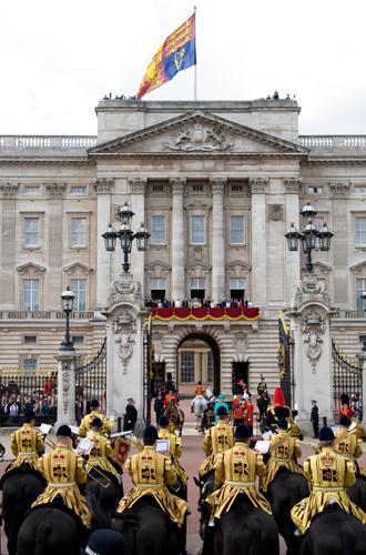 Фото №10 - Trooping the Colour: что нужно знать об официальном дне рождения британской королевы