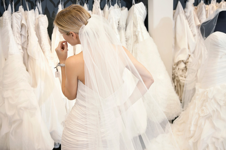 Фото №1 - Ожидание и реальность: жуткие свадебные платья с AliExpress
