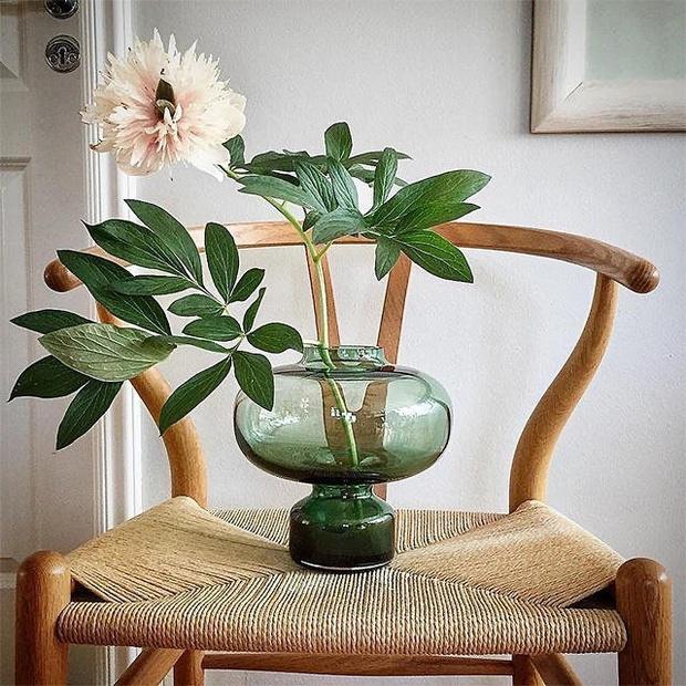 Фото №1 - «Пузатые» вазы для весенних букетов