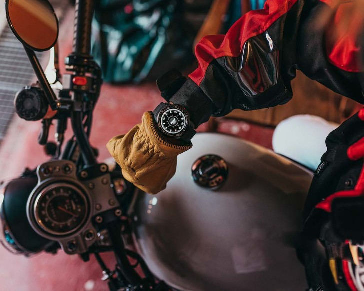 Фото №2 - HONOR представил премиальные смарт-часы HONOR Watch GS Pro: брутальный дизайн, более 100 спортивных режимов и встроенный GPS