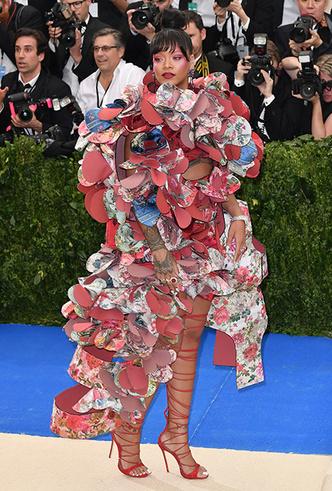 Фото №32 - История Met Gala: самые знаменитые наряды бала Института костюма