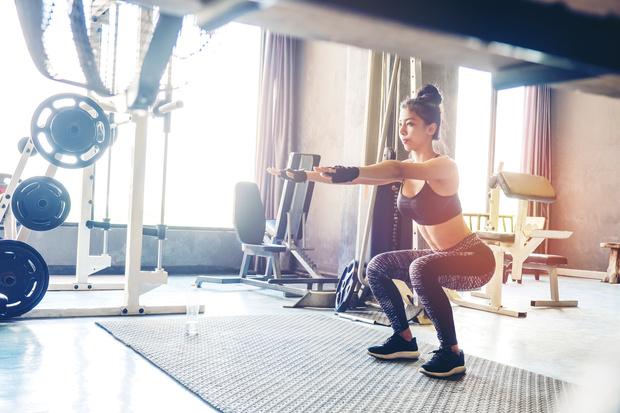 Опасные упражнения на пресс, для позвоночника, коленей: как избежать травм во время спорта
