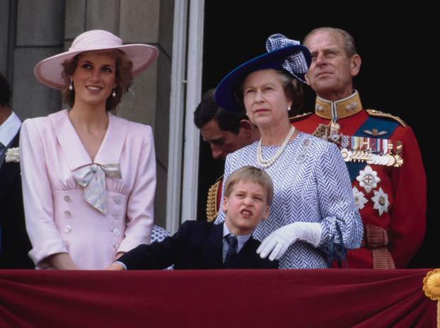 Фото №3 - Непристойное поведение: почему Елизавета была возмущена воспитанием Уильяма
