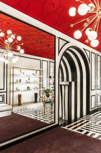 Фото №4 - Не простое украшение: новый бутик Aquazzura в Москве