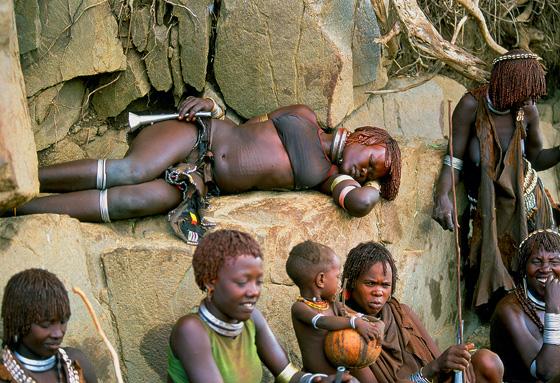 Фото №6 - Удары судьбы: за что мужчины эфиопского племени бьют своих женщин