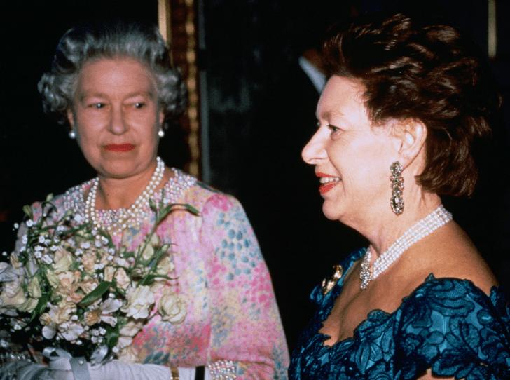 Фото №3 - «Маргарет в огне!»: как королевское Рождество пошло не по плану