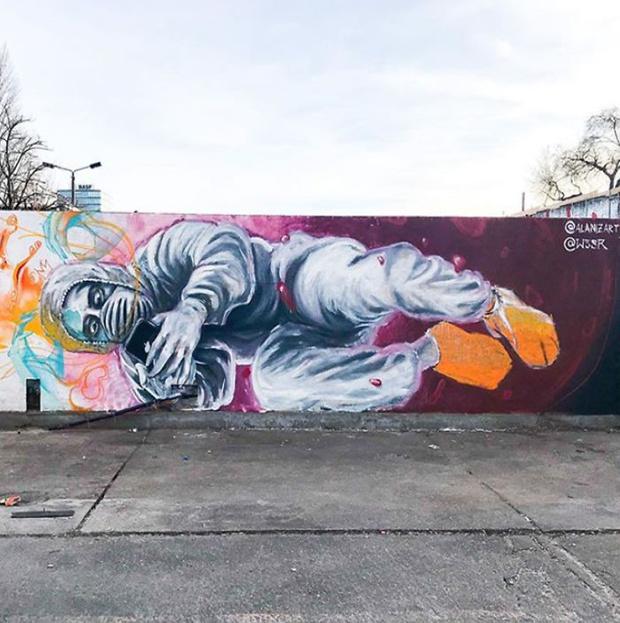 Фото №19 - 20 граффити со всего мира, навеянные коронавирусом