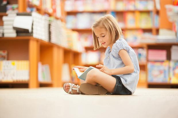 Фото №1 - Почему не стоит покупать ребенку книги о половом воспитании
