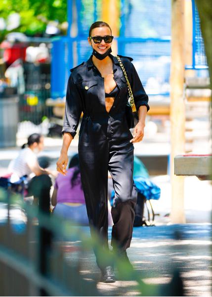 Супермодель и икона стиля Ирина Шейк. Образы Ирины Шейк. Идеи образов 2021. Стильные аутфиты. Модные образы на каждый день.