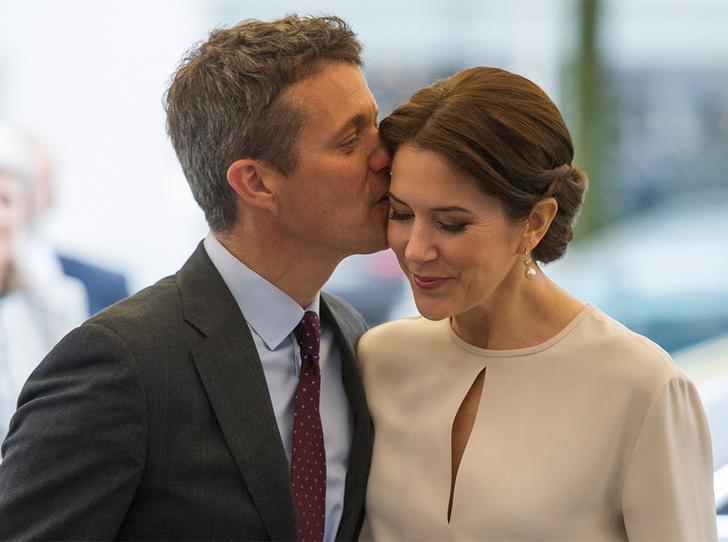 Фото №3 - Привычка жениться: кронпринц Фредерик и принцесса Мэри снова отправятся под венец