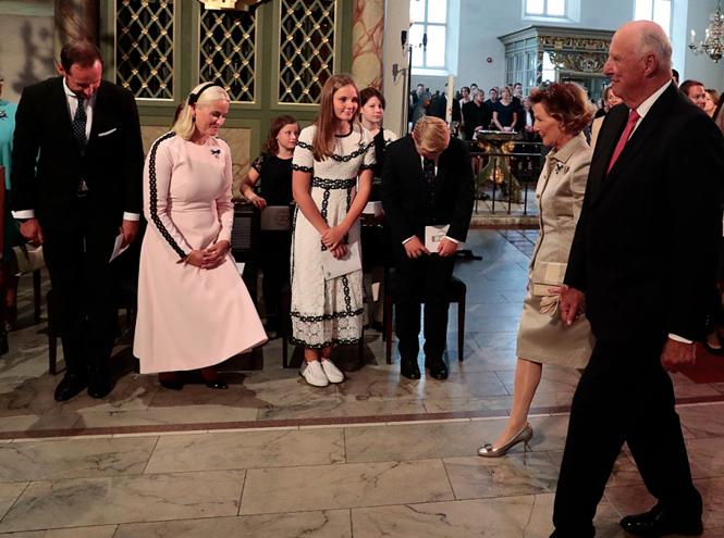 Фото №3 - Как король и королева Норвегии отметили золотую свадьбу