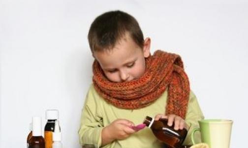 Фото №1 - Чем НЕ надо лечить кашель