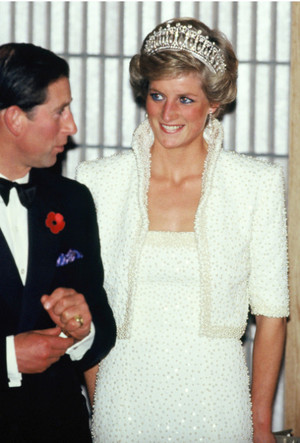 Фото №5 - Триумф или провал: история знаменитого жемчужного платья принцессы Дианы