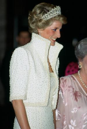 Фото №4 - Триумф или провал: история знаменитого жемчужного платья принцессы Дианы